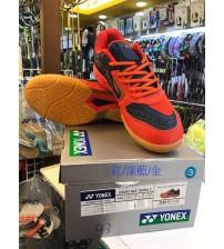 Yonex Court Ace Tough 2 紅藍金色 羽毛球鞋 (碼數: 38-45)包运费价,不包税.( 香港及大陆地区) <<赠品 : 袜子1双(价值HK$45.-) 送完即止>>
